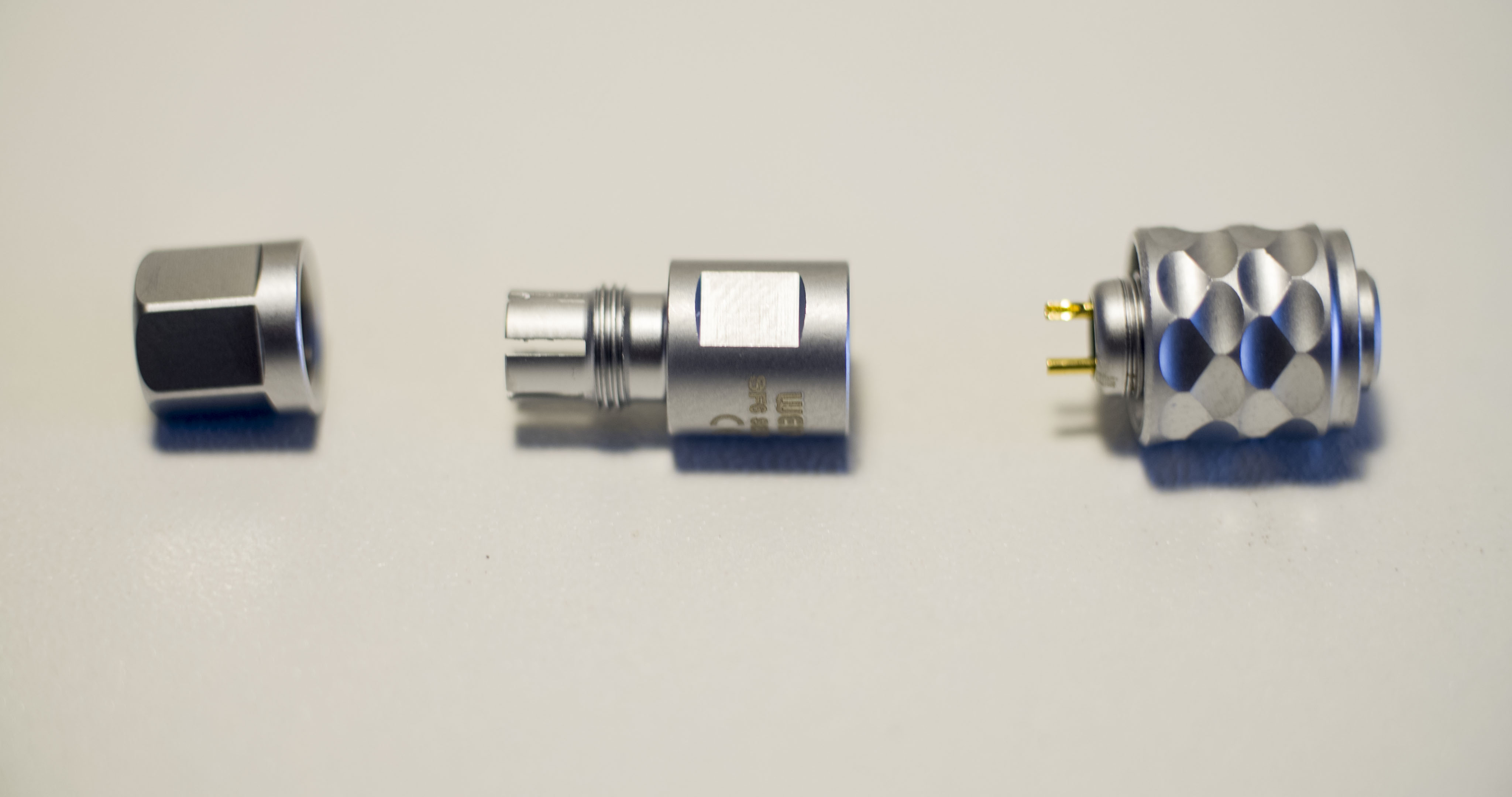 Weipu SF610-S2 Connector.jpg